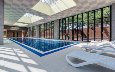 8 Benefits of Pool Enclosures